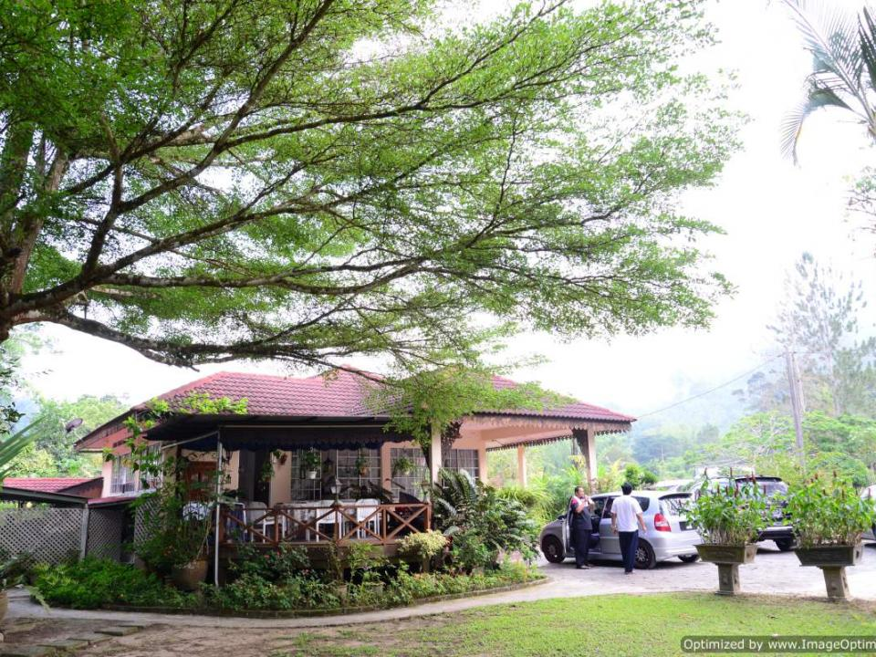 bungalow at Sailors Rest Janda Baik